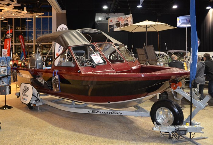 2018 KingFisher 2025 Falcon Package Photo 1 sur 1