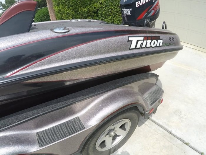 2003 Triton TR22 Photo 19 sur 20
