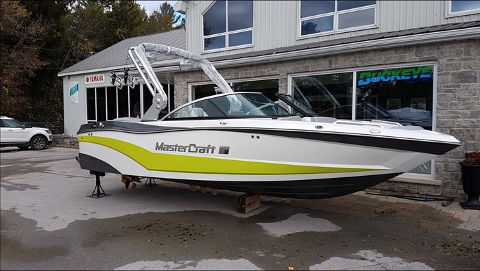2018 MasterCraft Mastercraft XT21 Photo 1 of 10