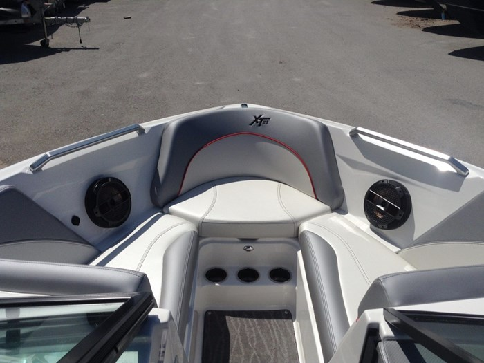 2018 MasterCraft Mastercraft XT21 Photo 7 of 12