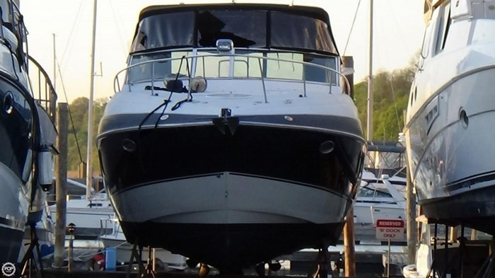 2008 Cruisers Yachts 330 Express Photo 2 sur 20