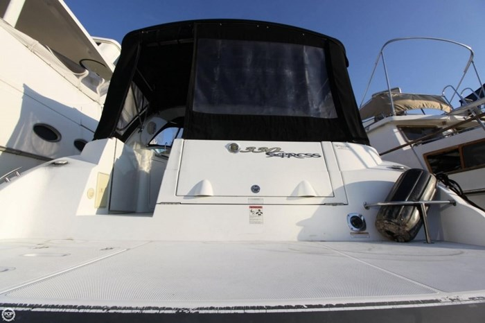 2008 Cruisers Yachts 330 Express Photo 4 sur 20