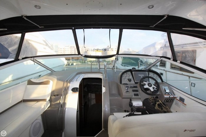 2008 Cruisers Yachts 330 Express Photo 6 sur 20