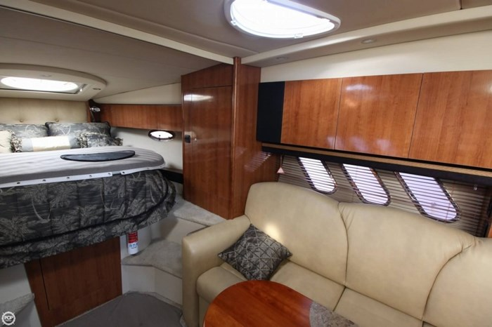 2008 Cruisers Yachts 330 Express Photo 8 sur 20
