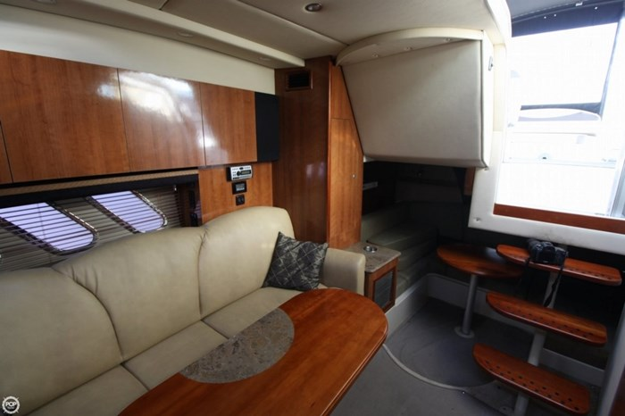 2008 Cruisers Yachts 330 Express Photo 10 sur 20