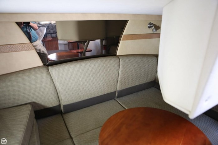 2008 Cruisers Yachts 330 Express Photo 12 sur 20