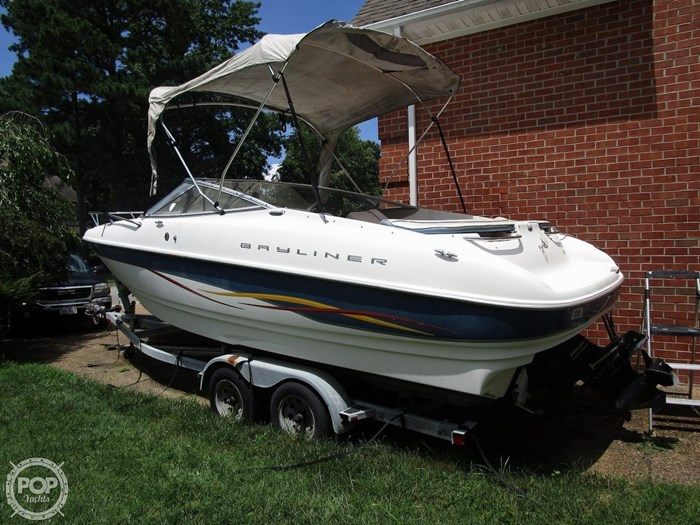 2001 Bayliner Capri 232 LX Photo 10 sur 20