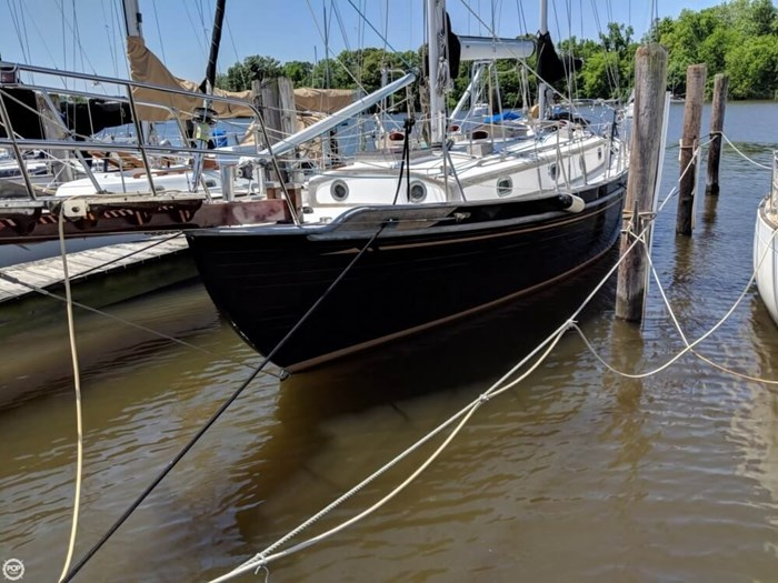 1988 Tayana 37 Ketch Photo 3 of 20