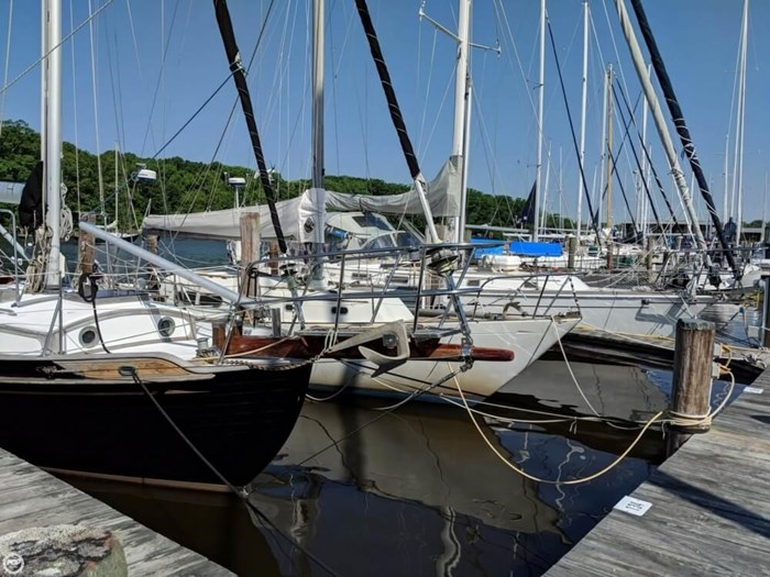 1988 Tayana 37 Ketch Photo 7 of 20