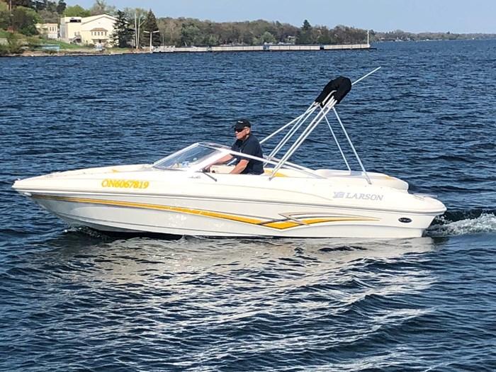 Larson 180 Bowrider 2007 Used Boat for Sale in Gananoque, Ontario -  BoatDealers ca