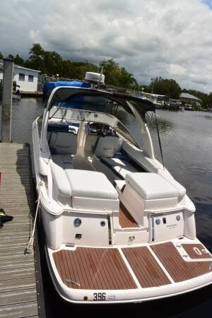 2011 Regal 2700 Bowrider Photo 2 sur 20