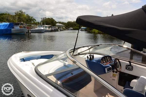 2011 Regal 2700 Bowrider Photo 3 sur 20