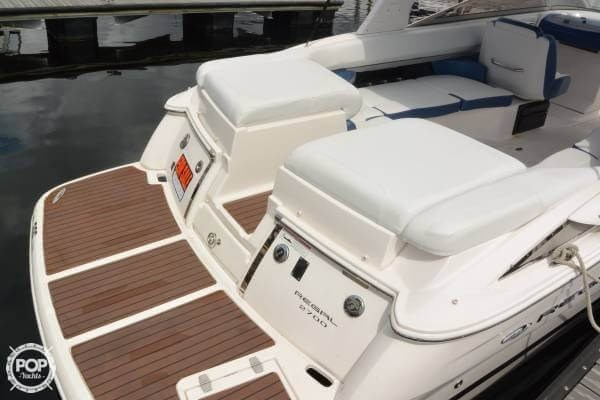 2011 Regal 2700 Bowrider Photo 4 sur 20