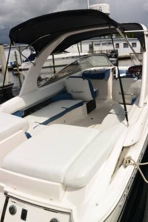 2011 Regal 2700 Bowrider Photo 5 sur 20