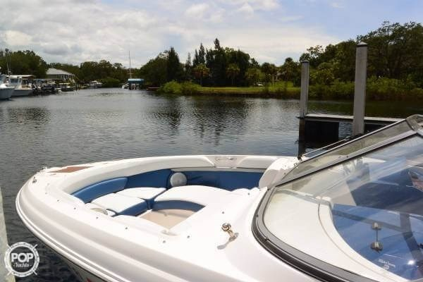 2011 Regal 2700 Bowrider Photo 8 sur 20