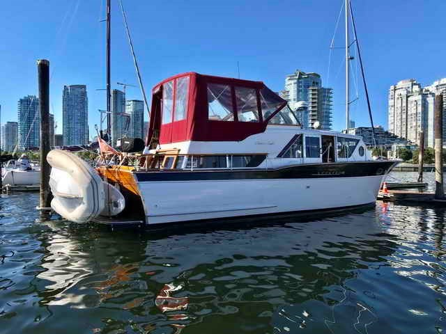Chris-Craft Conqueror 1961 Used Boat for Sale in Vancouver, British  Columbia - BoatDealers ca
