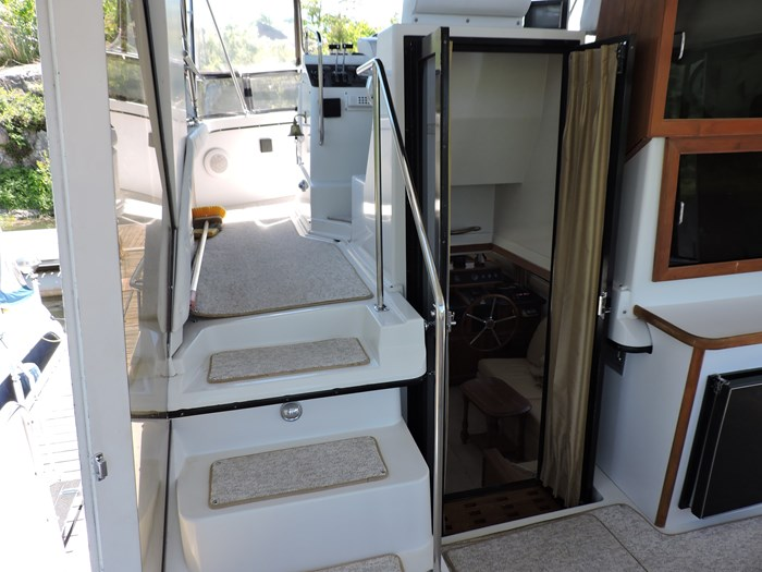 1989 Carver 3807 Aft Cabin Photo 14 of 56