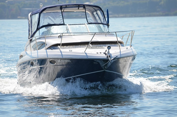 2009 Regal 3060 Express Cruiser Photo 5 sur 28