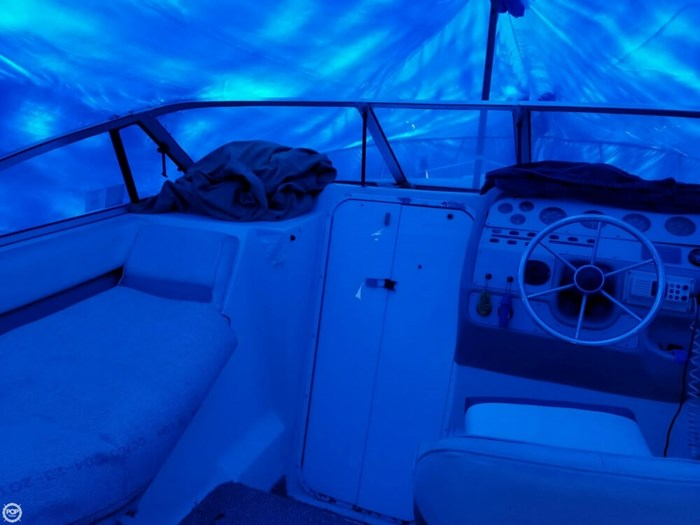 1995 Rinker 280 Fiesta Vee Photo 8 sur 21
