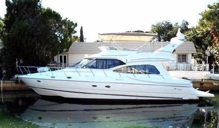 2001 Cruisers Yachts 5000 Sedan Sport Photo 1 sur 28