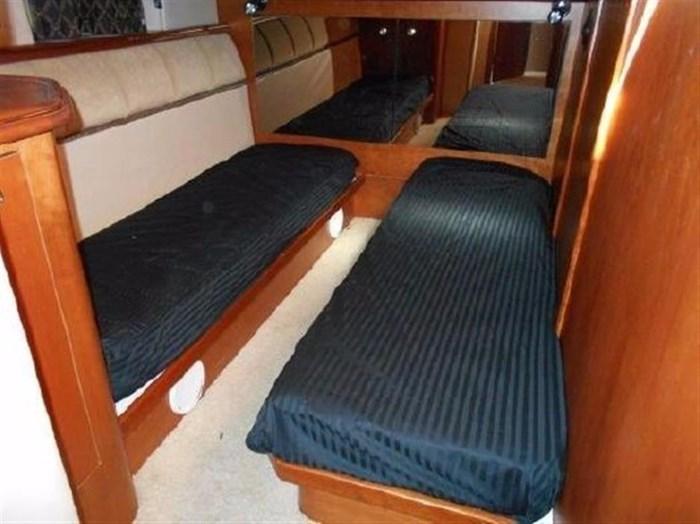 2001 Cruisers Yachts 5000 Sedan Sport Photo 19 sur 28