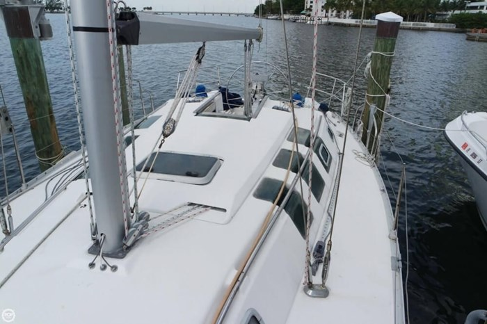 1991 Beneteau First 35 S 5 Photo 18 of 20