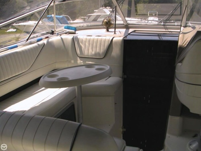 1997 Bayliner 3255 Avanti Photo 17 sur 20