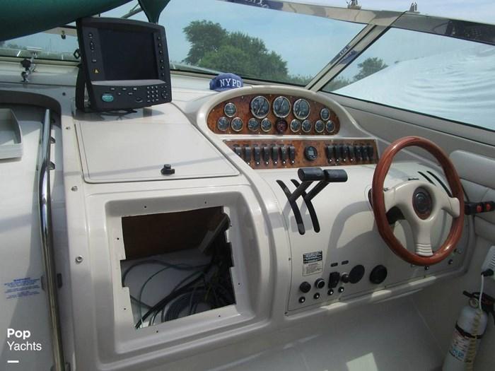 1997 Regal 402 Commodore Photo 9 of 20