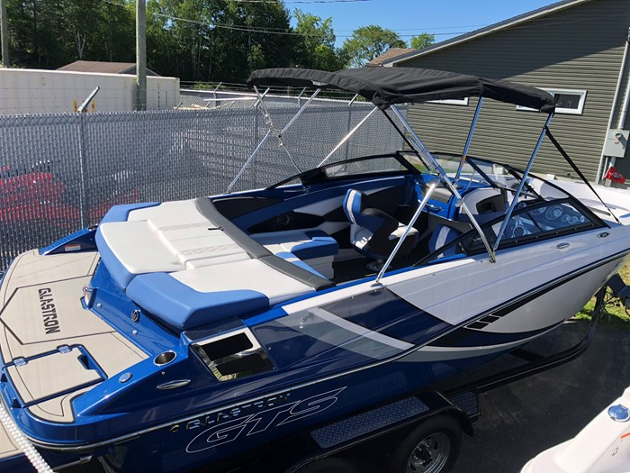 Glastron GTS 225 XL with Trailer 2018 New Boat for Sale in