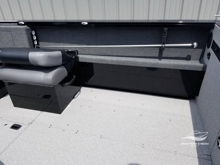 2019 Crestliner 1850 Commmander Elite Silver-Met / Black Photo 23 of 52