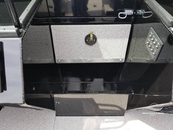2019 Crestliner 1850 Commmander Elite Silver-Met / Black Photo 37 of 52