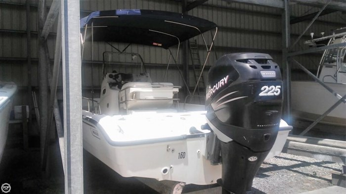 2006 Boston Whaler 220 Dauntless Photo 16 of 20