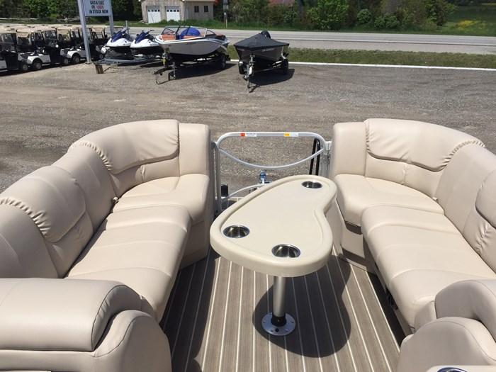 2017 SunCatcher Pontoons by G3 Boats X324RS Photo 3 sur 9