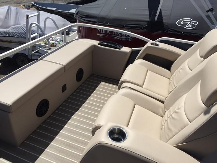 2017 SunCatcher Pontoons by G3 Boats X324RS Photo 7 sur 9