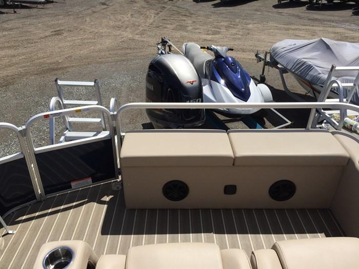 2017 SunCatcher Pontoons by G3 Boats X324RS Photo 8 sur 9