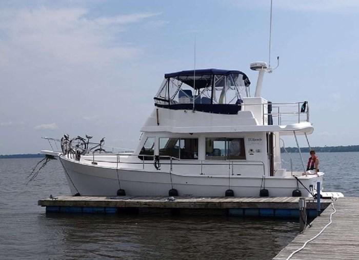 2011 Mainship Motor Yachts TRAWLER 395 Photo 3 of 41