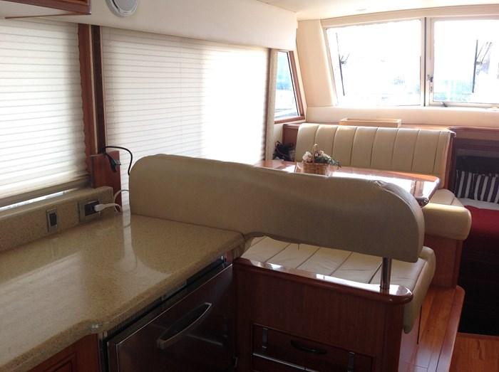 2011 Mainship Motor Yachts TRAWLER 395 Photo 11 of 41