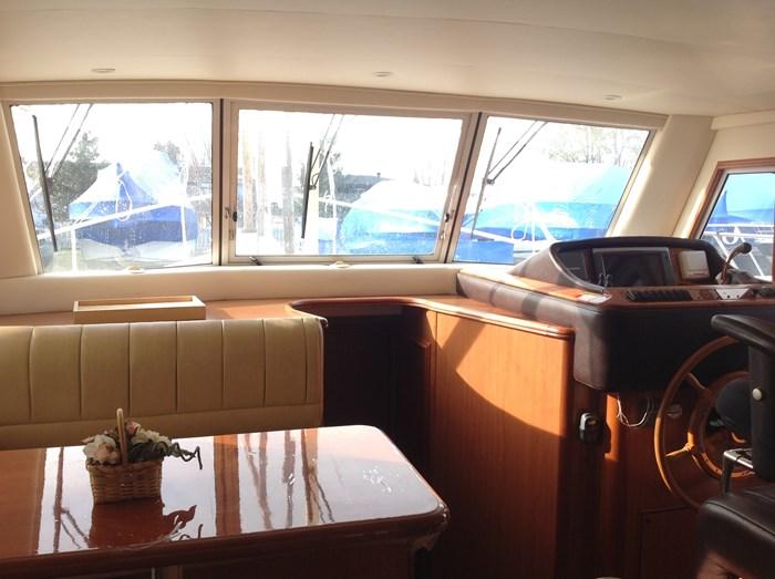 2011 Mainship Motor Yachts TRAWLER 395 Photo 12 of 41