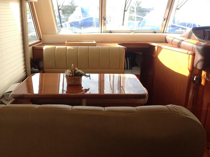 2011 Mainship Motor Yachts TRAWLER 395 Photo 13 of 41