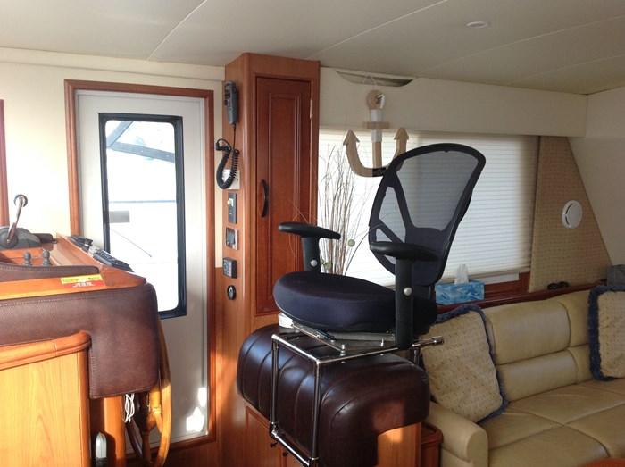 2011 Mainship Motor Yachts TRAWLER 395 Photo 22 of 41