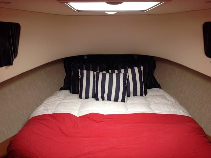 2011 Mainship Motor Yachts TRAWLER 395 Photo 27 of 41
