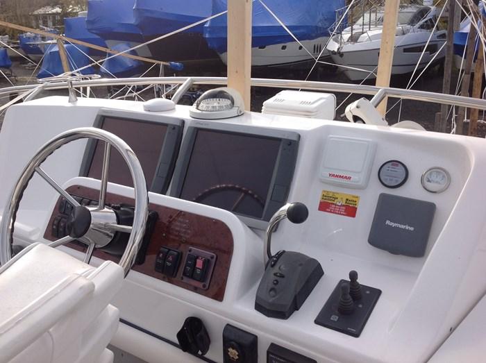 2011 Mainship Motor Yachts TRAWLER 395 Photo 37 of 41