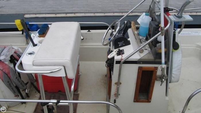 1986 Boston Whaler 17 Montauk Photo 19 of 20