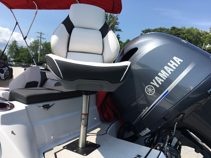 2019 Glastron GTD180 Fish n Ski Yamaha F150XB Trailer Photo 9 of 19