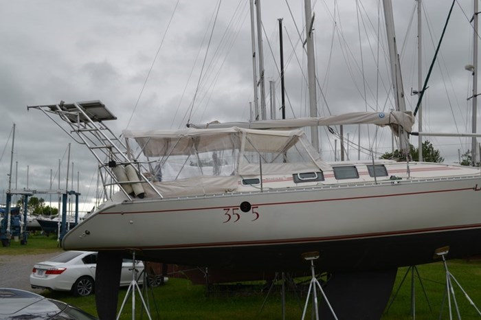 1988 Beneteau First 35s5 Photo 24 sur 43