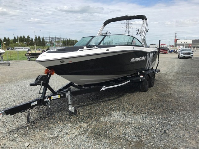 2018 MASTERCRAFT XT 21 Photo 3 of 7
