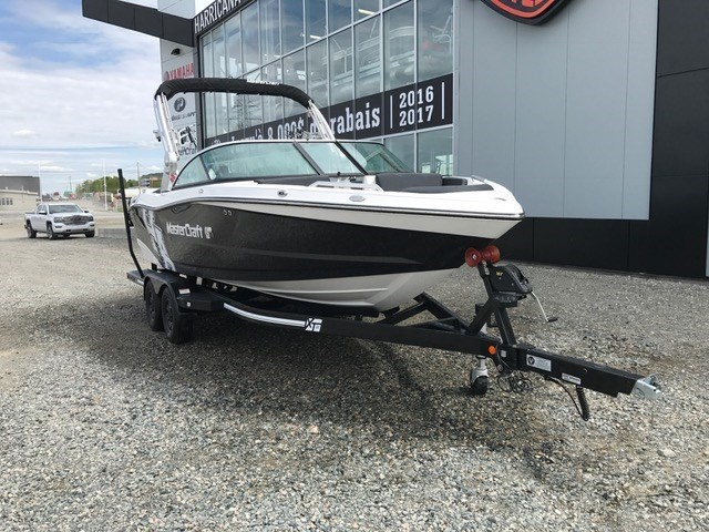 2018 MASTERCRAFT XT 21 Photo 2 of 7