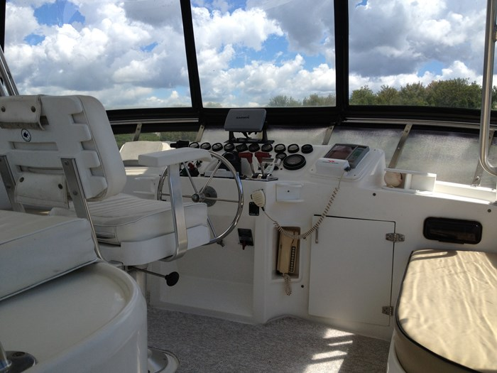 1993 Hyatt 47 ft  Motor Yacht Photo 31 of 42