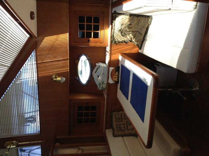 1993 Hyatt 47 ft  Motor Yacht Photo 38 of 42