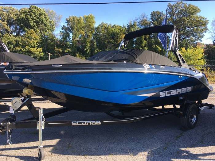 2019 Scarab 215 Identity Jet Twin Rotax 200HP WB Tower Trailer Photo 3 sur 20